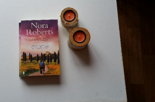the collector nora roberts review