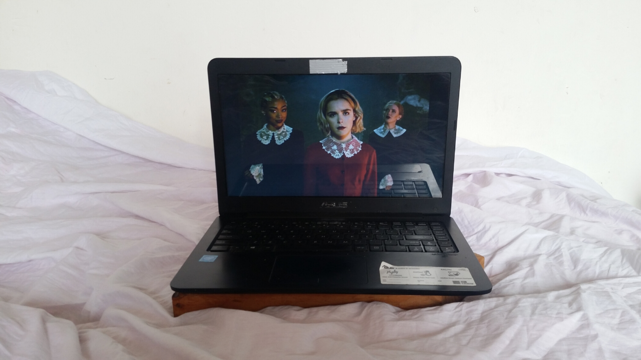 The chilling adventures of Sabrina season 1
